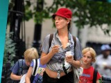 Uma Thurman&#39 S Bizarre Outfit
