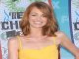 Jayma Mays Talks 2010 Teen Choice Awards & John Stamos&#8217 &#8216 Glee&#8217 Role