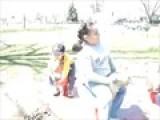 Iker Y Nekane En El Parque