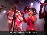 Orquestra No Circo: Oculos Escuros