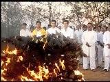 A Flat - Bollywood Movie Review - Sanjay Suri, Jimmy Sheirgill, Sachin Khedekar
