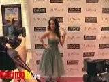 BARBARA MORI At 1 A Minute Premiere Arrivals