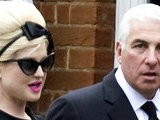 E! News Now Amy Winehouse&#039 S London Funeral