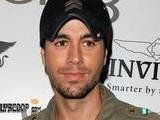Enrique Iglesias Tells Concert Goers He Has A Small Penis
