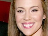 E! News Now Alyssa Milano Gives Birth