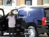 Jessica Alba&#039 S Black Lacy Bra In Public