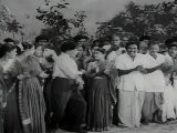 Kudumba Thalaivan - M.G.R. Playing Kabadi With Wrestlers