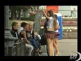 Medvedev Girls Interrogano Passanti Sul Presidente - VideoDoc. Marketing Presidenziale Con Le Ragazze In Abiti Ammiccanti