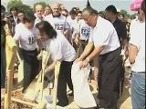 Singer Yanni Looks To Aid Thailand Flood Relief