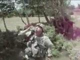 Un Soldat Am&eacute Ricain Boit De La Boue !!! FDIHA Hhhhhhh