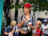 Uma Thurman&#039 S Bizarre Outfit